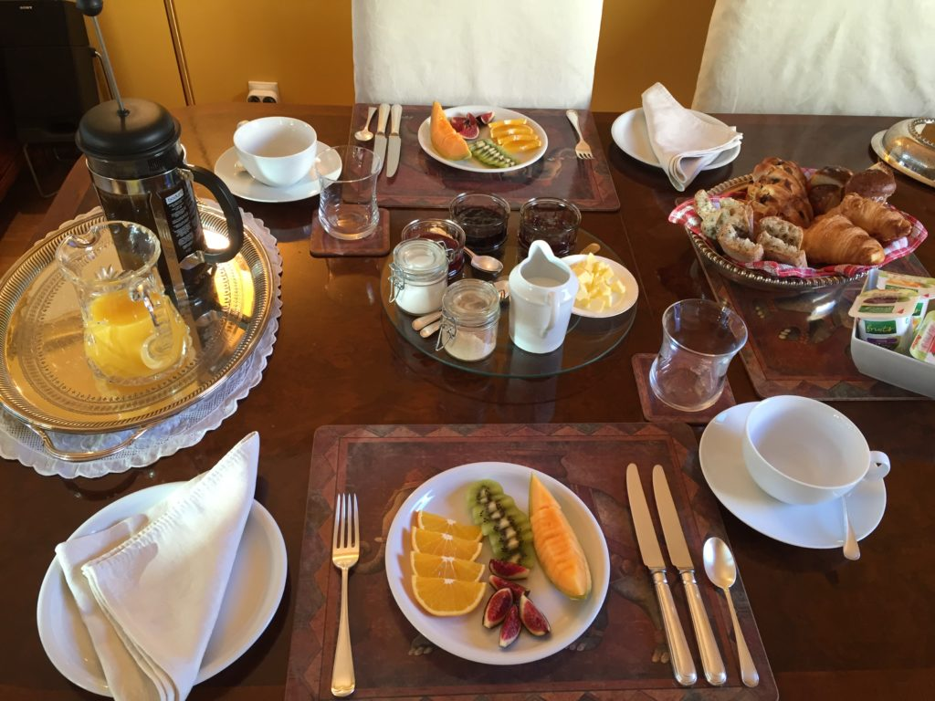 Breakfast at Bed and Breakfast 52 Clichy