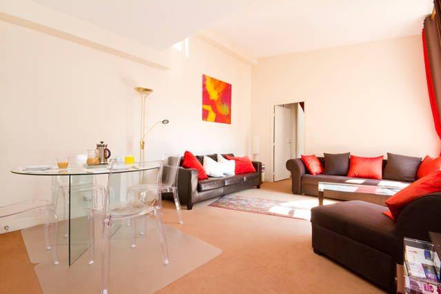 Left-side-of-living-room